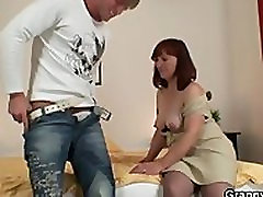 Redhead video japang seks gets lured into sex