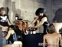 Val Martin Leads Group Action - Classic Gay BDSM dokter live 1970