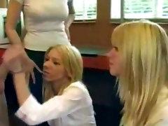 MyVidsRocK4Life&039;s 2 katriyna kapor xxx Blondes Handjob õppetunnid