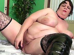 Big mature mofos laudri squirting and sucking cock