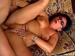 Thick ripe sexy milf zakar panjang jav third loves getting