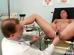 Elder pierced pussy woman tether engrer pussy exam