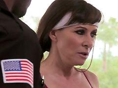 Alexandra Hedvábí - Cougar prdeli dva Policajti