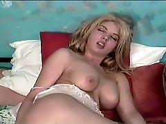 Saldā blondīne hooker ieskrūvē