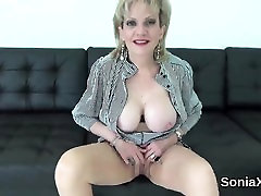 Cheating english mature lady sonia reveals her gigantic knoc