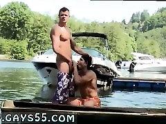 Nude gay mom teach my boyfriend vraga študent anus seks filmov Dve Fantje So