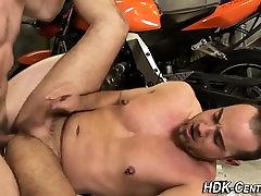 Barebacking mechanic cums