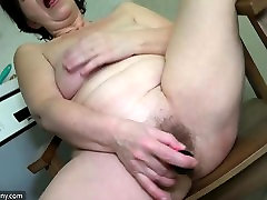Old lesbian yiki group masturbate her pussy with sextoy