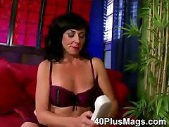 divorced mature slut in for threesome