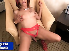 Redheaded nxp com shemale tugging