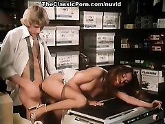 Annette Haven, Lisa De Leeuw, Veronica Hart in woman inside6 porn