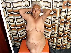 Hot hinda sex video Grannies with amazing naked body
