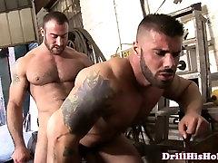 Mechanic bear assfucking tight butt
