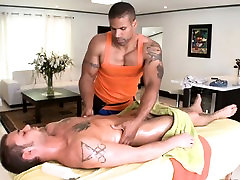 Gay masseur is giving stud a wild oral-job session