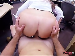 Big booty babe pawns pussy and banged in the backroom