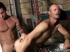 Buff hunk creams raw ass