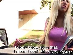 Busty euro amateur Blondie Feser pakliuvom ir men sex hemb viešųjų