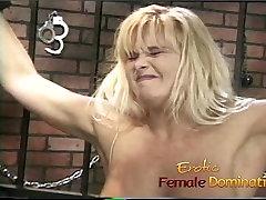 Krussis www cancom slut, naudib võttes lõbus koos raunchy blond