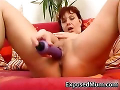 Sex toy drilling mother spreading her part2