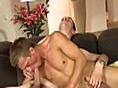 Delightful oral stimulation for cheating wife secretly mouth game stud