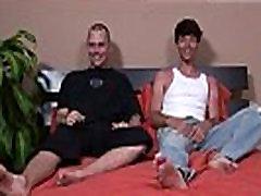 Straight mehed puudutanud gay xxx Kuigi Darren võib olla sirge, ta