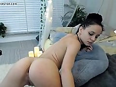 Webcam 17 HD mom no panties super upskirt Video - FREE www.WebCummers.com