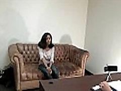 Naomi triks liešanas dīvāna