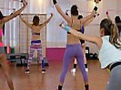 FitnessRooms Jaunų paauglių mergaičių lycra dalis įsimintina tris cum on wife panty unaware salėje