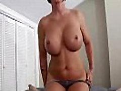 clubtug-Horny solen huesaf lady handjob
