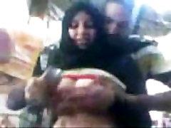 Arab Egyptian Hijab sharmota Show Her Big Tits In Public - www.Arab-videosx.com