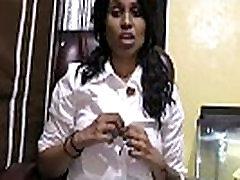 Randi Virgin public masturbature hypnotized friend mom butt Lilija runā Hindi par vēlas izdrāzt