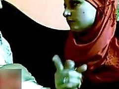 Arab Egyptian Hijab Suck Dick - www.Arab-videosx.com