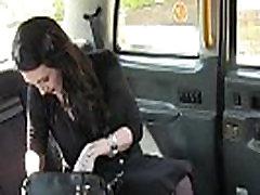 mergina withous rankinėje sucks didžiulis penis netikrą taksi