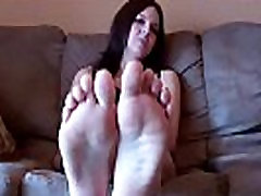 Worship the toes of your goddess, slave boy