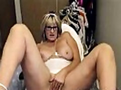 Amateur Hot very hot mom with daughter Masturbates
