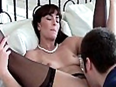 Milf realtor in stockings pussylicked
