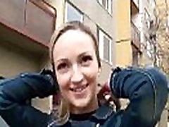 Seksualus Čekijos Mėgėjų Apskretėlė Fucks Už Pinigus Viešojo 26