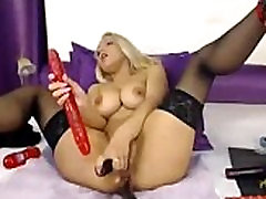 Hot smoal beby Squirts Live on Cam on www.FreeSlutsCam.com