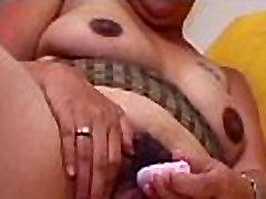 Chubby jade kush in jungle Honey Massages Clit