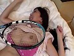 Necenzūruotos Japonijos milf romaną su teniso rakete su Subtitrais