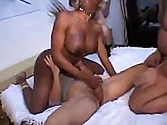 Ebony Shemale in Ganagbang