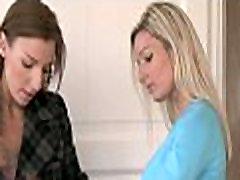 Lesbi tüdrukud episoode