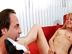Lad works on slutty sonmom rusian pussy
