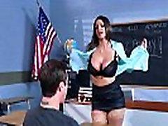Brazzers - סקסית מילפית ברוקלין צ ייס מלמד את התלמיד שלה