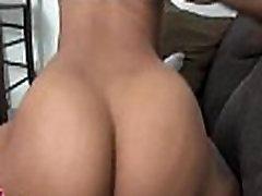 Schwarz hotty reitet Schwanz auf closeup