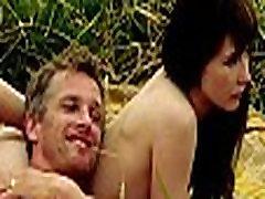 Carice van Houten - NakedNaakt - Komt een Vrouw bij de dokter WWW.CELEB.TODAY