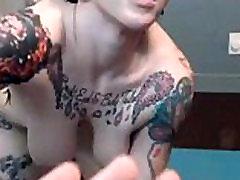 Tattooed sexy girl - www.webcamofsexxxy.com