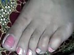 1416531 cummed to wife 039 s foot.