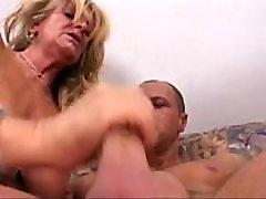 Mature Slut On Cam - v1pcamz.com