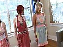 Hawt lesbians in nature&039s garb